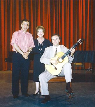 Con Rafael Cabedo y Rosa Gil.